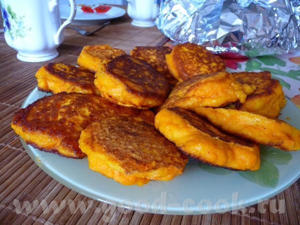 Морковные оладушки 2-3 моркови мука, соль, разрыхлитель теста 2-3 ст