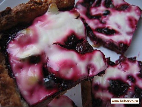 пирог из вишни со сметаной