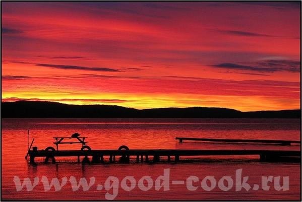 Есть вот такая книга и вот такие фото- закат бывает очень разный: The intense red and orange hues o... - 4