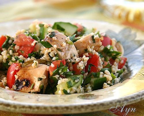 """Мне нравится подавать салат """"Tabbouleh"""" (табУля) в """"кармашке"""" хлеба-питы или заворачивать в лаваш"""