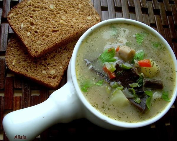 Из того что готовила последнее время хочу предложить пару рецептов, начну с Суп из лесных грибов с имбирем Салат осенн...