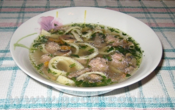Суп с грибами, фрикадельками и домашней лапшой Рыба в пароварке
