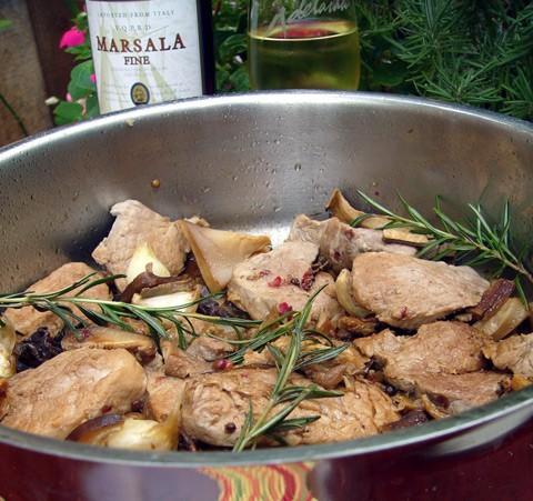 Pork with Marsala Wine and Juniper Cвинина в Марсале с можжевельником на 4 порции понадобится 30г с...
