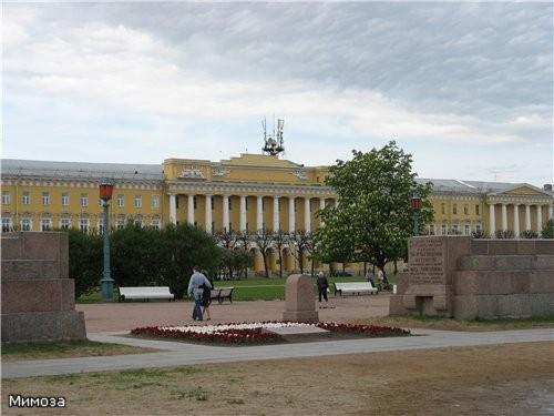 Казармы лейб-гвардии Павловского полка - одна из первых в Санкт-Петербурге значительных работ архит...