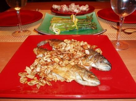 Наш Валентинковский ужин Густой суп от Шер Форель с миндалем,спаржа с лимоном,молодой картофель с о... - 2