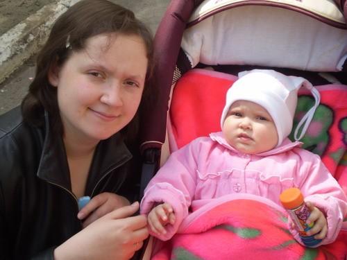 Вот решила показаться Вам)))) Эт Я со своей любимой дочуркой Викусей
