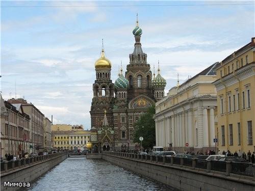 Мы с вами идем по каналу Грибоедова в сторону Невского проспекта