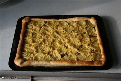 Тесто на Пиццу: 200 грамм муки (правда я ложу до тех пор пока не перестанет прилипать к рукам) 1 ча... - 5