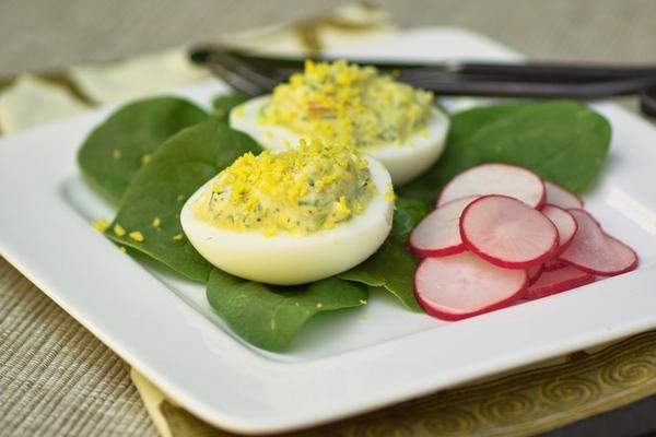 Или вот это простое блюдо может оно поможет кому-то утилизовать пасхальные яйца