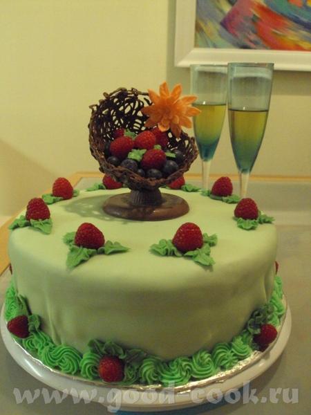 тортик с малиновым мусом