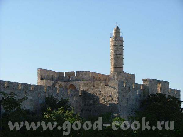 Весь Иерусалим выстроен из белого известняка или Иерусалимского камня (последние годы дома стали пр... - 4