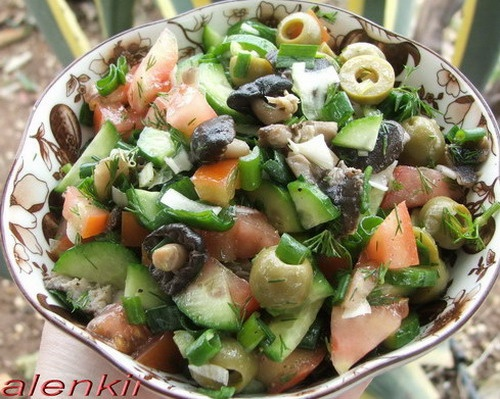 Салат с маринованными грибами и оливками Спасибо большое