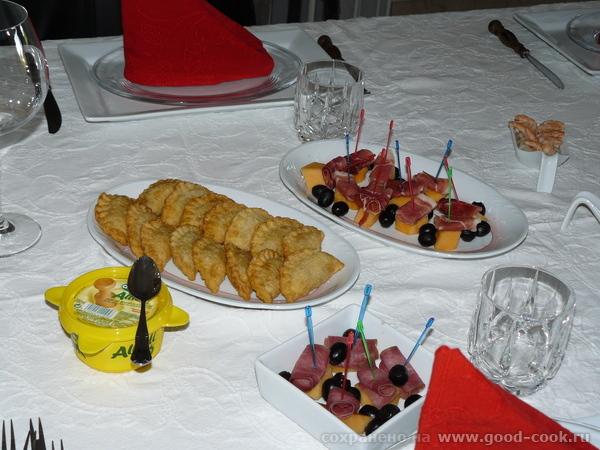 Empanadillas de atъn - Пирожки с начинкой из тунца Тесто: слова автора Ирины-Jelly : Я сделала тесто заранее, заверну...