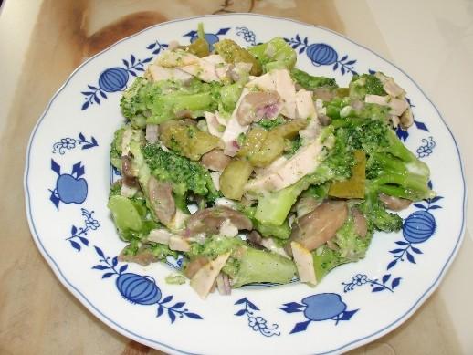 Спасибо большое Людочке homyak за такой вкуснючий салат Зелёненький