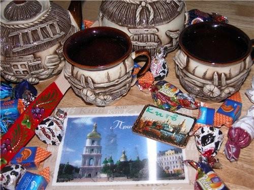 Итак хвастаюсь: ето от (никогда не пробовала до етого украинских конфет - вкуууусно) Юленька спасиб...