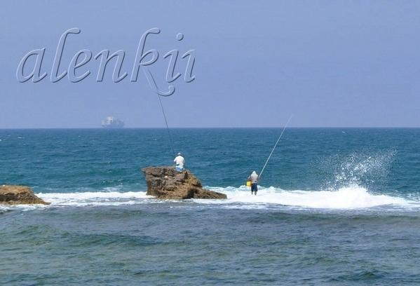 Рыбаки возле стен старого Акко - 2