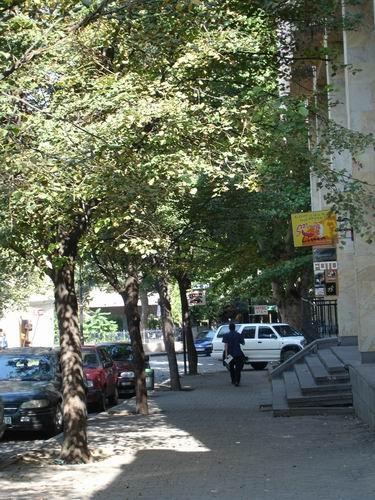 А вот это - улица Леселидзе - 2