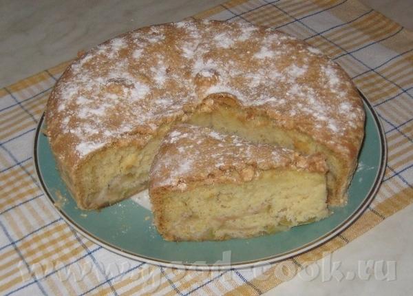 Пирог воздушный с яблоками 6 яиц, 1,5 стакана сахара, 1,5 стакана муки, щепотка соды, 4-5 яблок