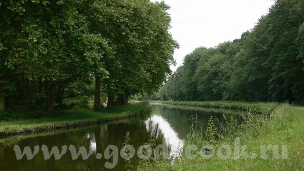 А это мы уже покинули Дуб и находимся на Canal du Rhфne au Rhin - канале между Роной и Рейном
