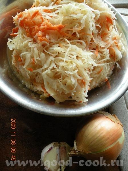 ГОЛЕНКА В КАПУСТЕ Потребуется 6 средних ножек рублен со свинины, капуста кислая, лук ,чеснок припра... - 2