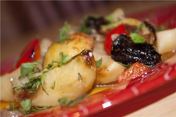 У нас на днях был вкусный КАРТОФЕЛЬ С ЧЕРНОСЛИВОМ и любимое постное блюдо моего мужа: Картофель по-...