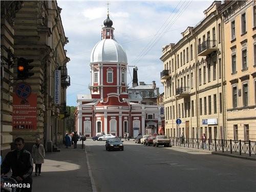 Если посмотреть от Спасо-Преображенского собора вдоль улицы Пестеля (бывшей Пантелеймоновской) в ст...