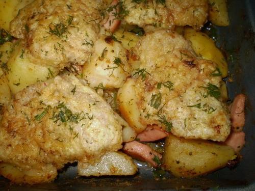 Карточка в духовке с биточками Картошка, 2 сардельки, луковица, соль, перец, майонез, кетчуп, горчи... - 2