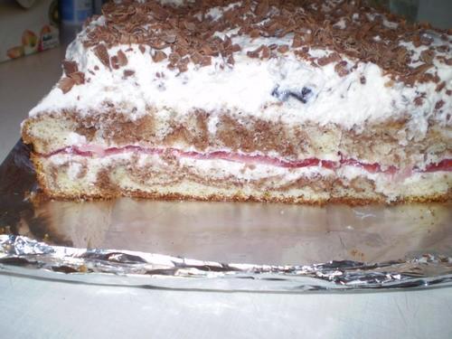 По этому рецепту что выше я испекта торт на день Татьяны Вот такой вот прекрасно-вкуснящий торт Ве...