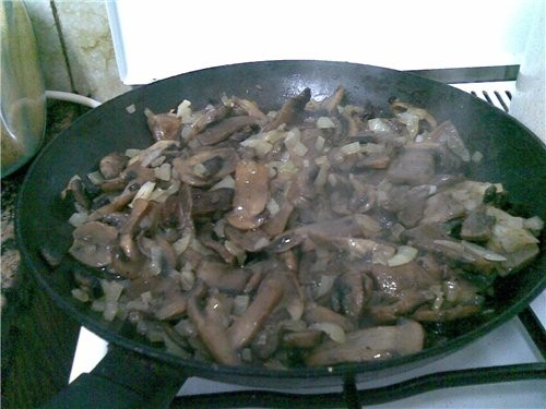 Грибной суп с рисом 500 г грибов большая луковица большая морковь 2 картофелины растительное и слив...