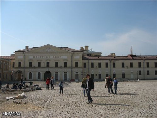 Единственным арендатором на территории Петропавловской крепости остается сейчас Монетный двор, зани...