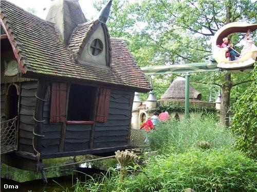 Спасибо Вот ещё домик , думаю что в нём жила баба яга мельничка гусиный парад
