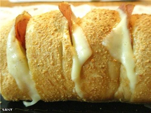 САНДВИЧ «ЗЕБРА» Очень легкий в приготовлении и необычайно вкусный сандвич, которым можно позавтрака...