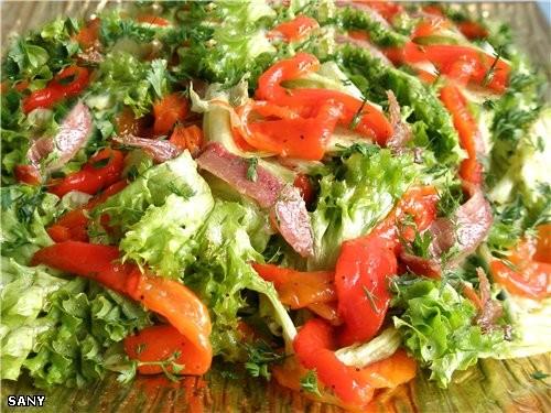 САЛАТ «МЕРЧЕ» 1 печеный красный перец Кочан салата эскарола (можно заменить на другой по вашему вку...