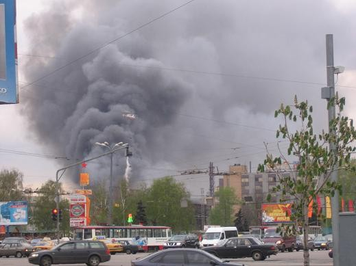 а это в начале мая тушили пожар на Площади Ильица завод Серп и молот,отличная работа МЧС,но как обы... - 3