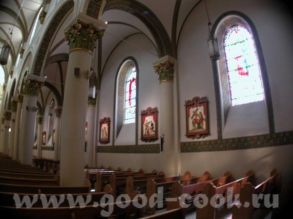 В центре исторической части города - Собор Святого Францизска - 2