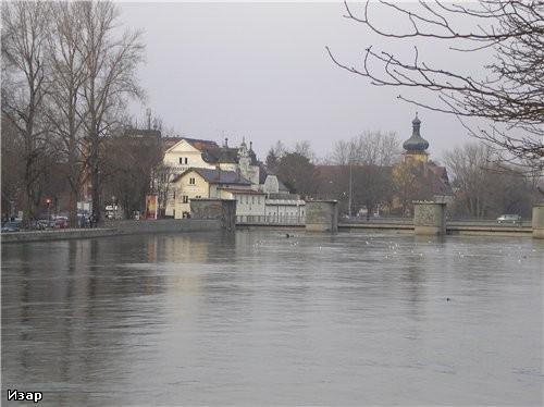 А это река большой Изар в Ландсхуте, есть и малый