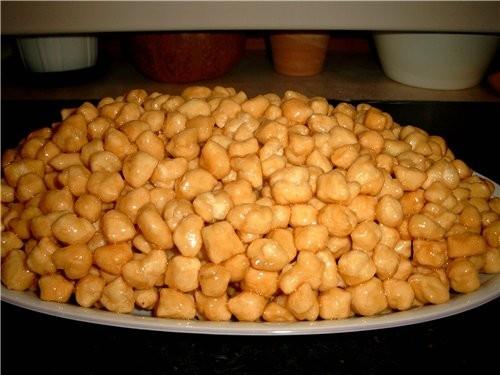 Гуля, почти близнецы А я люблю когда маленькие кедровые орешки это мой чак-чак A eto moj - 2