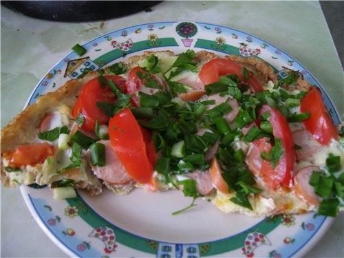 А мы завтракали омлетом(из той же серии) с зеленью ,помидорами и сосисками