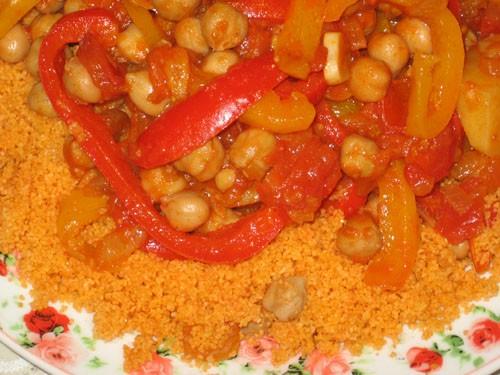 Таджин из перцев и кускуса Израильская кухня