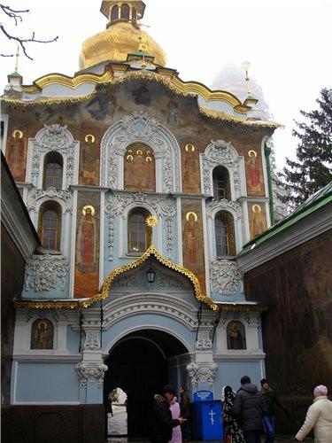 На прошлой неделе мы с мужем ездили в Киев и посетили там КИЕВО - ПЕЧЕРСКУЮ ЛАВРУ