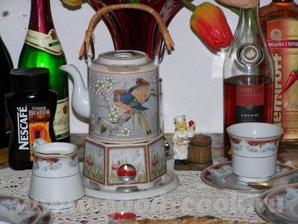 """Ну, и на последок- чай , кофе с конфетами """"Ассорти"""""""