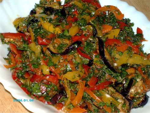 Спасибо Олесе-Кириешка за этот необыкновенно вкусный салат - Острые баклажаны