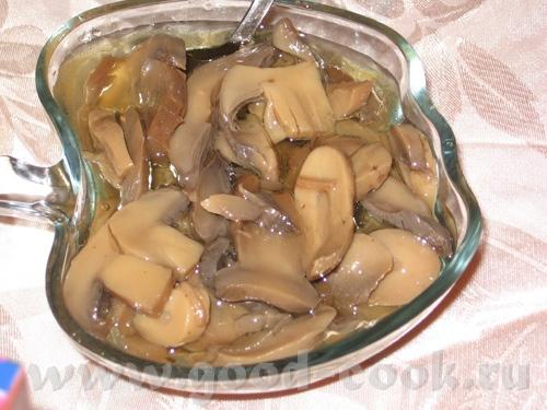 Продолжаем праздновать : Маринованые грибы Мясная нарезка: колбаса, пастрама, шейка - 2