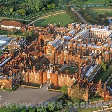 несколько поколений английских монархов перестраивали и расширяли дворец - 3