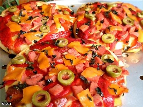 ПИЦЦА «СТРОМБОЛИ» Для начинки: Печеные красные болгарские перцы Соус (готовый) для пиццы Сыр моцаре...