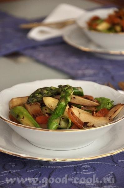 очень интересный салат, спаржу доселе не приходилось пробовать в вместе с орехами и сухофруктами, п... - 2