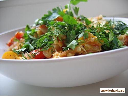 сегодня делала салат такой интересный,простой,свежий пряный салат с капустой из книги салаты и заку...