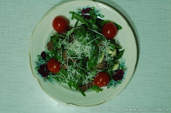 Очень вкусный и изысканный салат от Антона Ершова, шеф-повара TommyD лаунж-бара в Москве