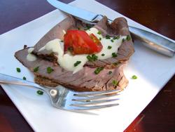 Открытые датские бутерброды (smobrod) Бутерброд с ростбифом Бутерброд с сельдью Бутерброд с анчоуса...