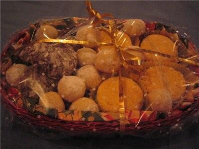 """на сладкое был торт """"4ёрный принц"""" от Лола (времени украшать не было ) ето гостинца к подаркам близ... - 2"""